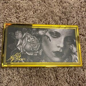 Kat Von D 10 year anniversary eye shadow palette